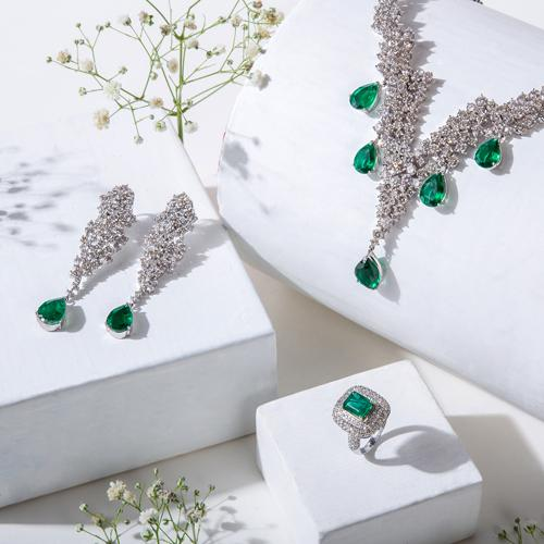 Are We Ready To Purchase Luxury Jewellery Online?